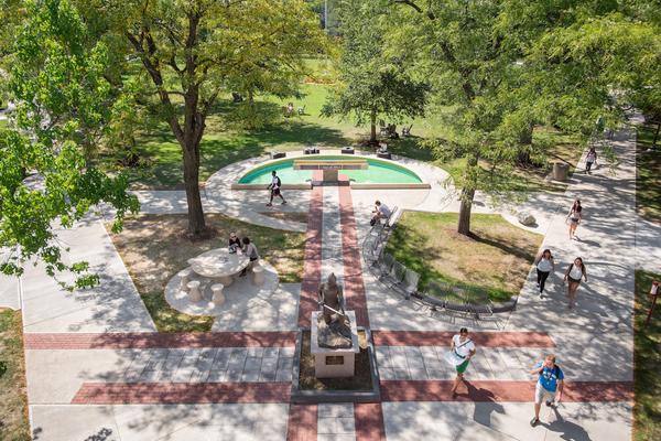 Jcu.aerial fountainfromstudentcenter