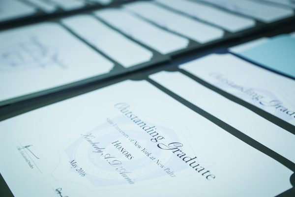 20160513 1 outstanding graduates 3 1024x683