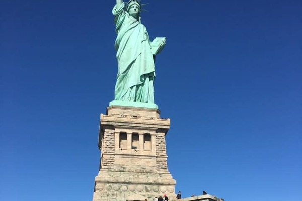 Four sau theatre students visit the statue of liberty
