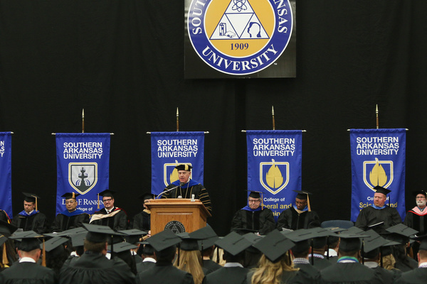 Sau fall commencement 16   1