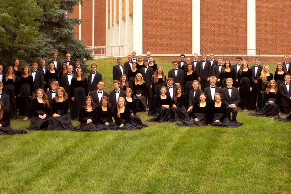 1382990883 a cappella choir 2013 14