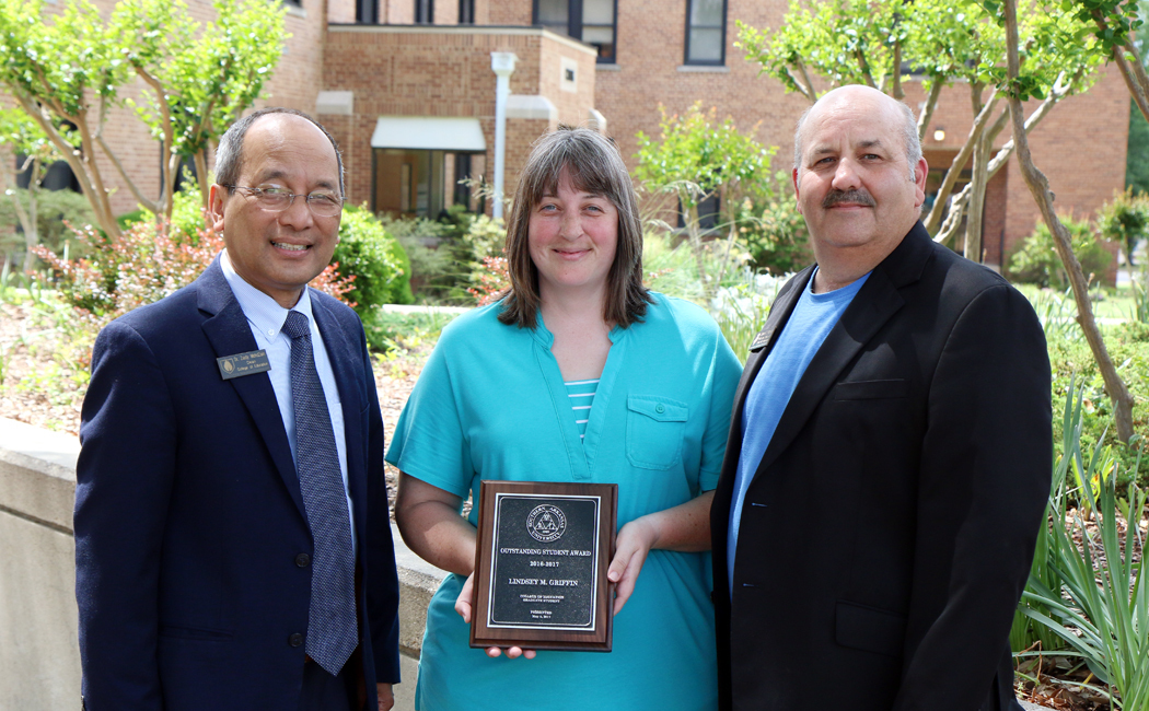 Lindsey griffin   outstanding graduate ed student 16 17