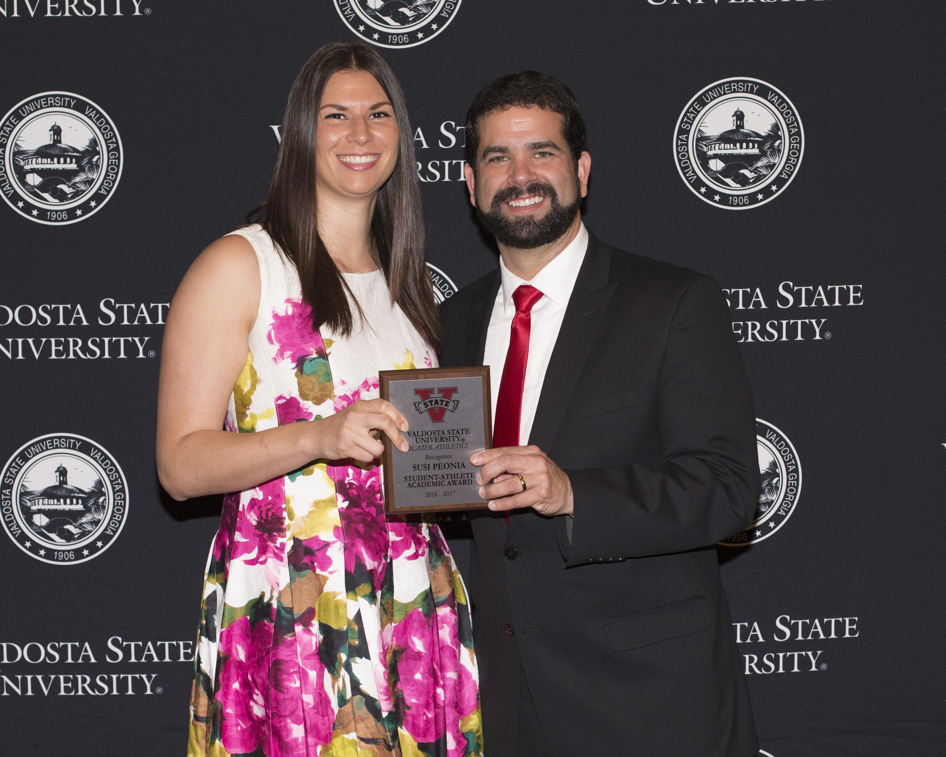 Susanna peonia award