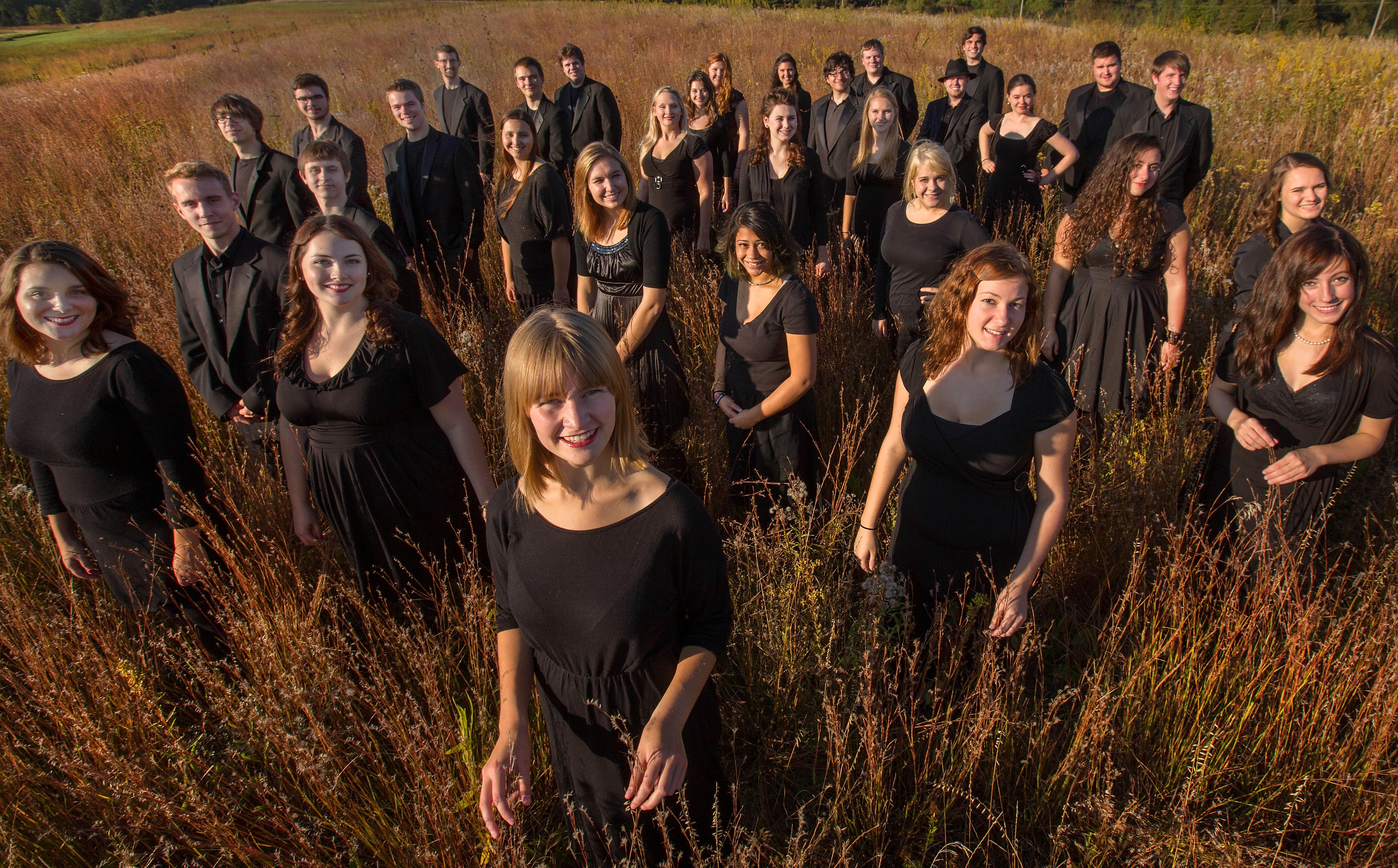 1384984314 chamber singers on prairie 8268