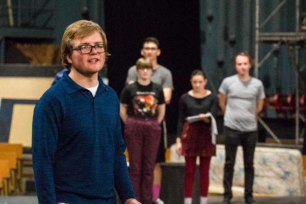 Brecht rehearsal 125072
