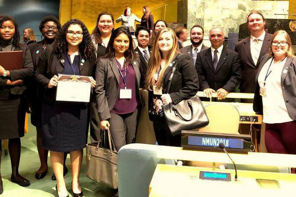 Students in un hall