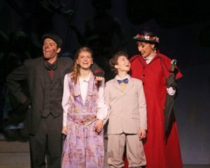 2017 vp theatre marypoppins ks 0225 014 720x576 a8a2b41e ab60 433a a4c8 565e76a3b7db 300x240