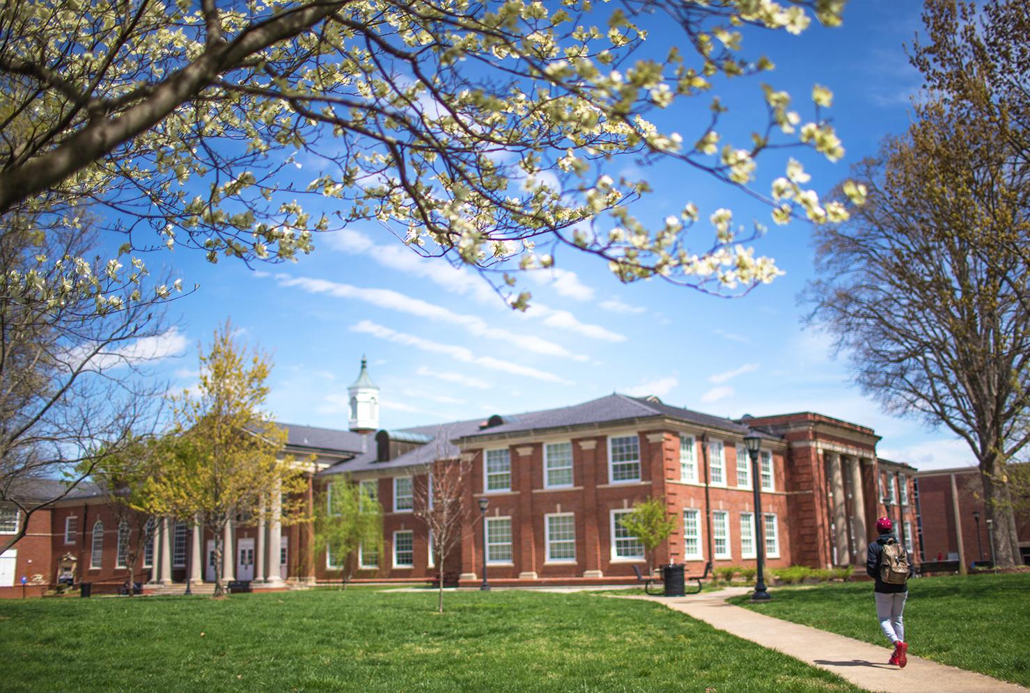 20160401 campus candids 5734