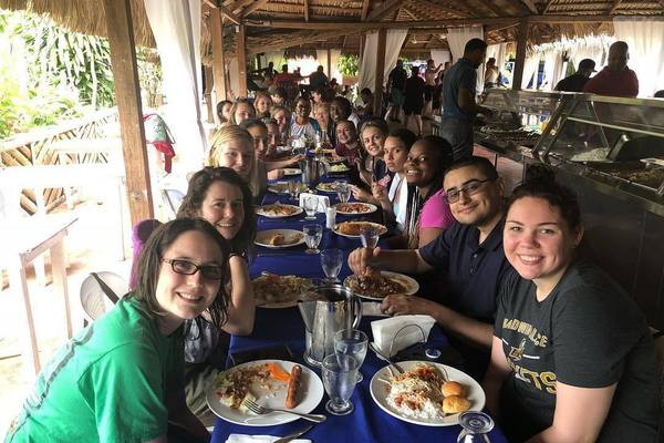 Discover the dominican republic students having lunch