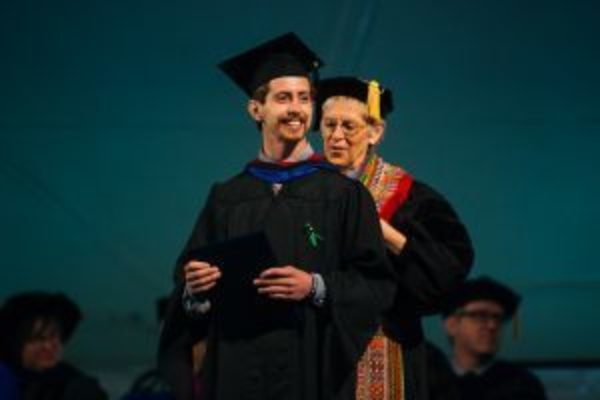 20180506 commencement ceremony as 045 1000px 300x200