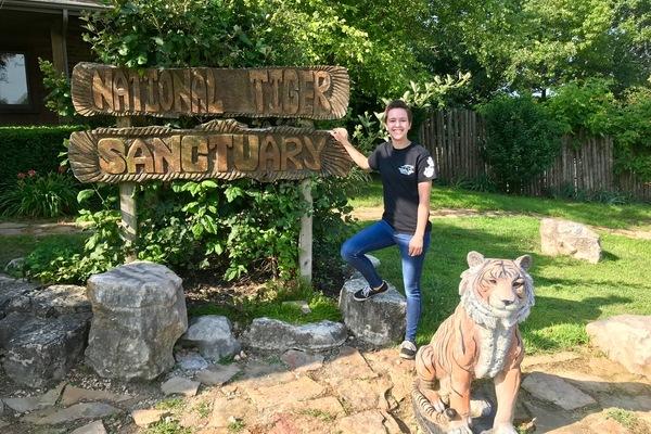 Olivet students crystal sauder national tiger sanctuary internship zoology