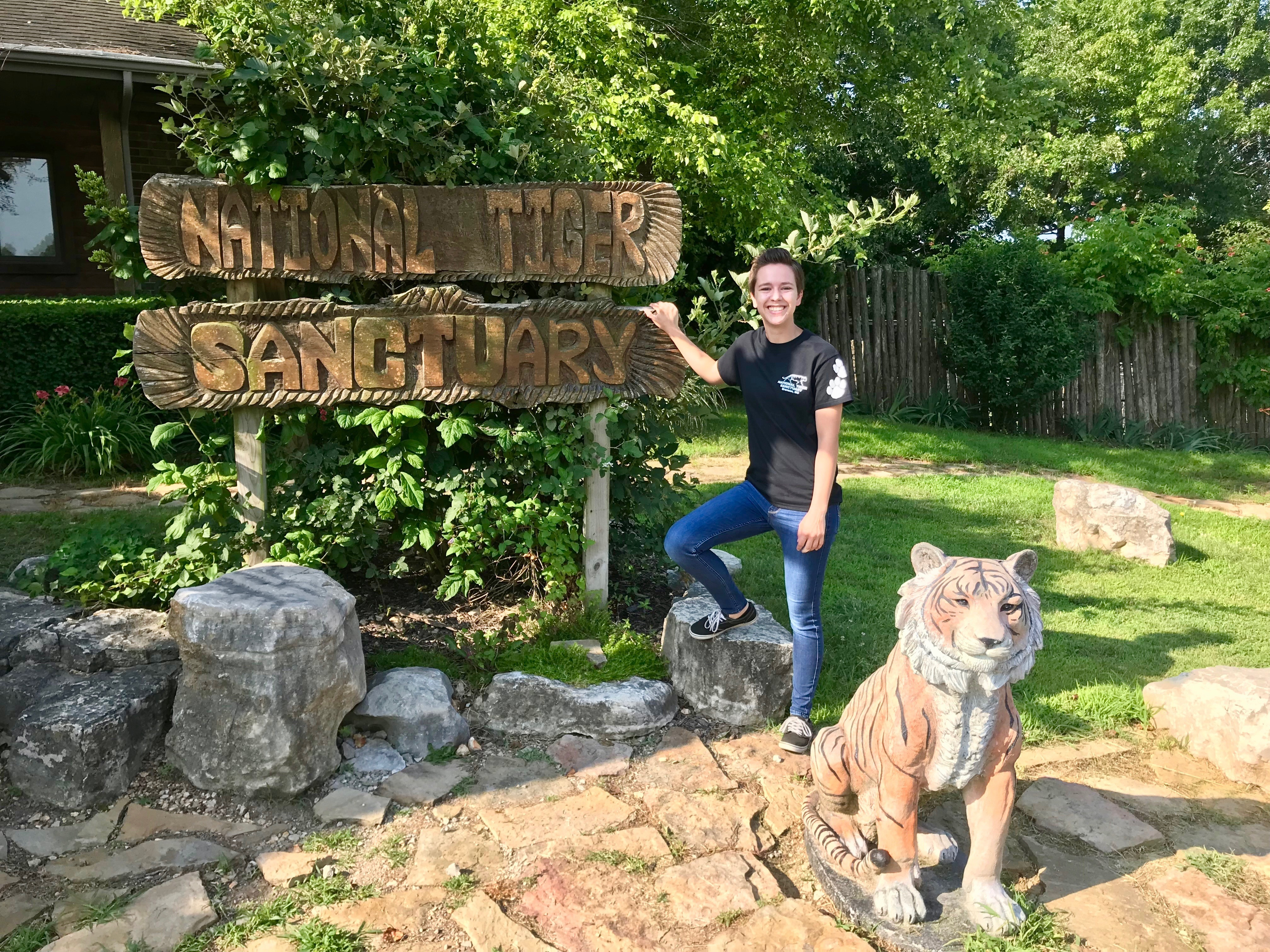 Olivet students crystal sauder national tiger sanctuary internship zoology