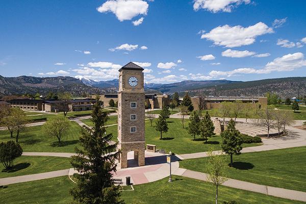 Lores campus drone panoram 0716
