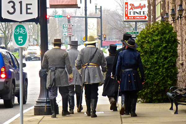 Historicimpressionests walkingmainstreet