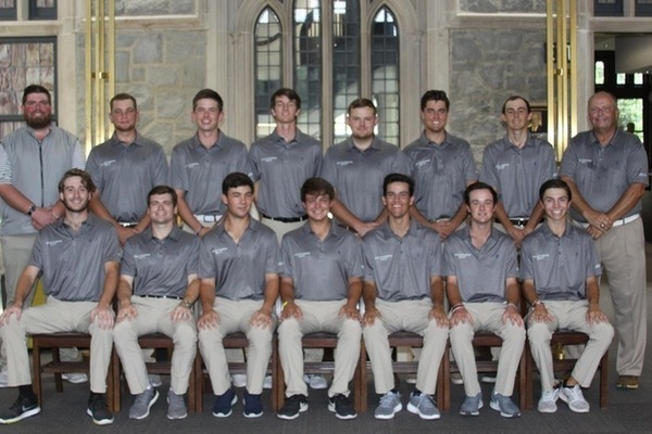 Men s golf team 2018 19 thumb1
