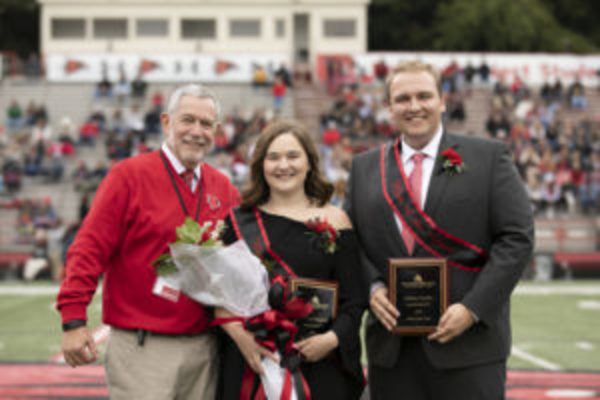 2018 evt homecoming manandwomanofyear mp 1013 001 300x200