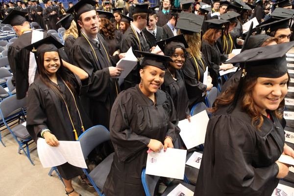 1400704493 commencementstudents