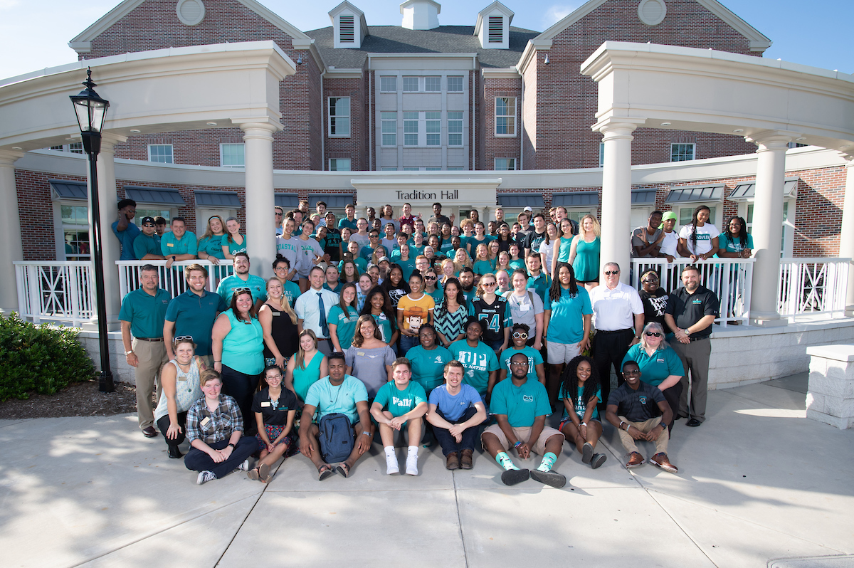 2018 2019 resident adviers