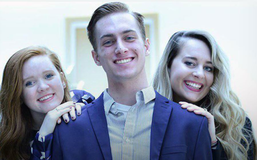 Students give to rescue mission