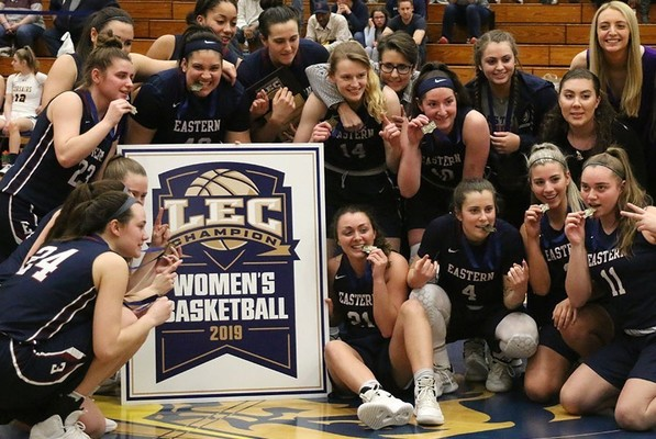 Womens basketball 2019 photo