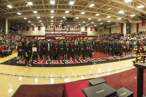 Commencement panorama2