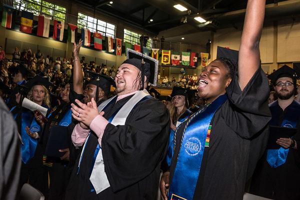 20190506 graduationselects cdw 15 1024x684