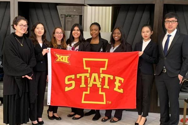 Isu chapter members at 2019 nsmh conference career fair