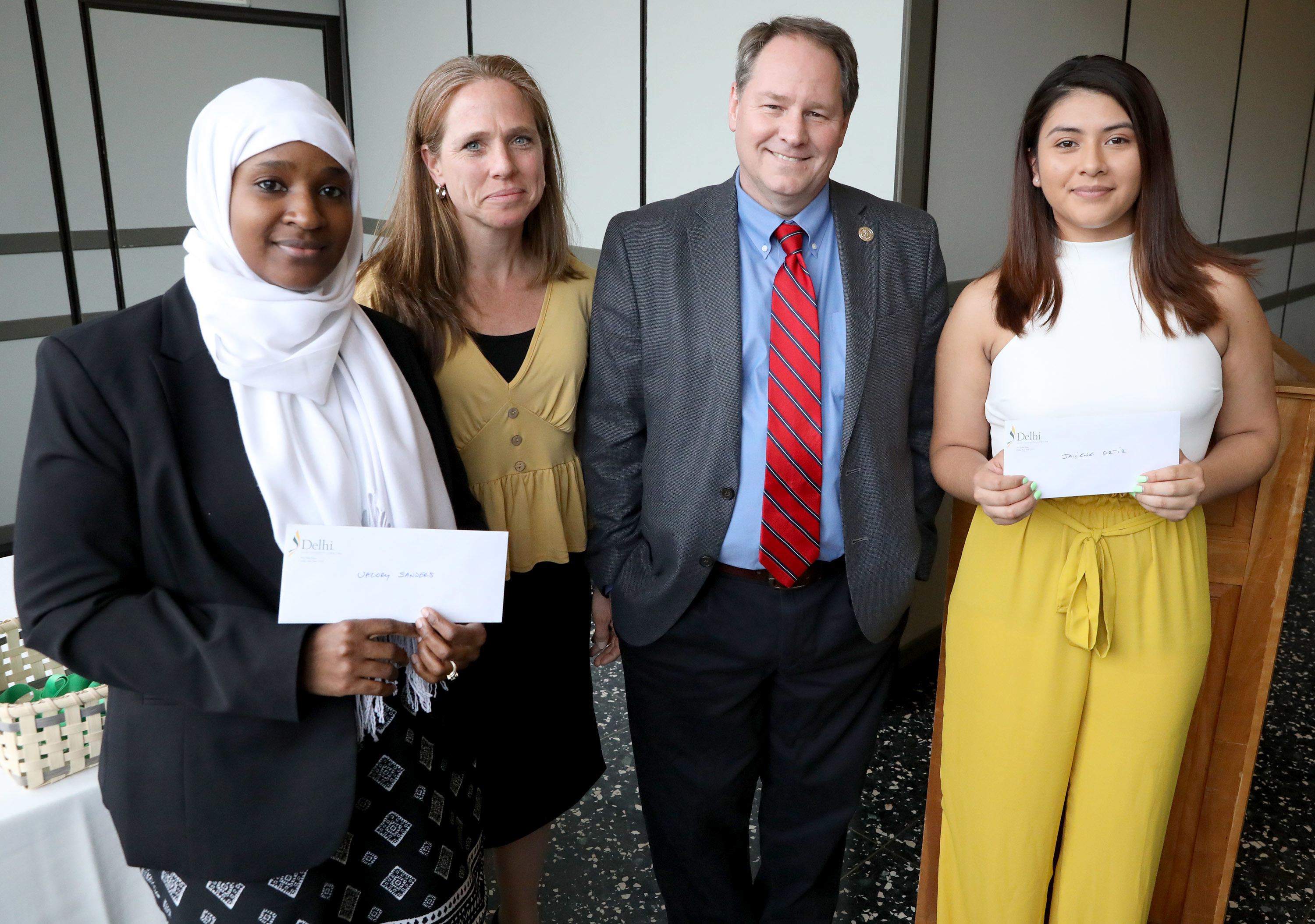 2019 honors program dennis callas scholarship recipients