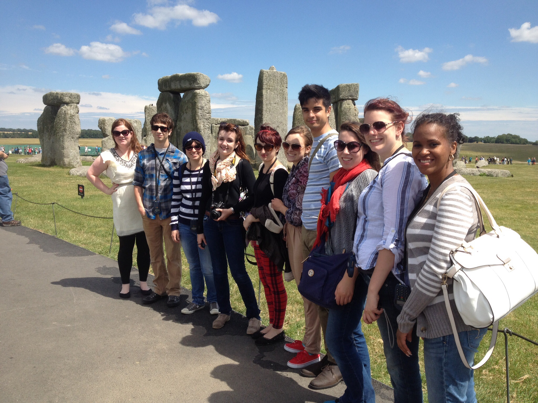 1408983863 students at stonehenge
