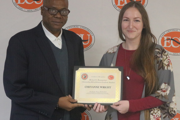 Cheyanne wright   richard baumgartner outstanding rehab grad student 2019