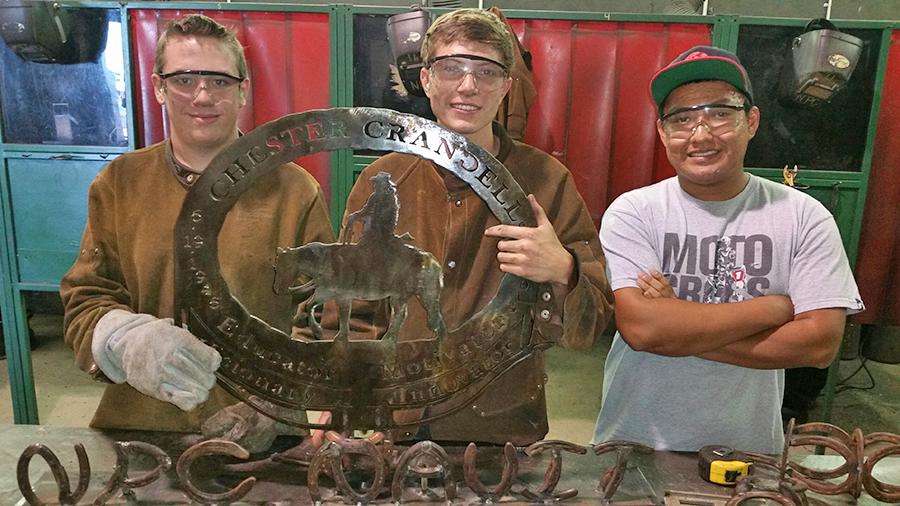 1412016252 weldstudents memorial