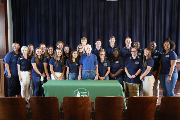 Carter leadership students with president jimmy carter