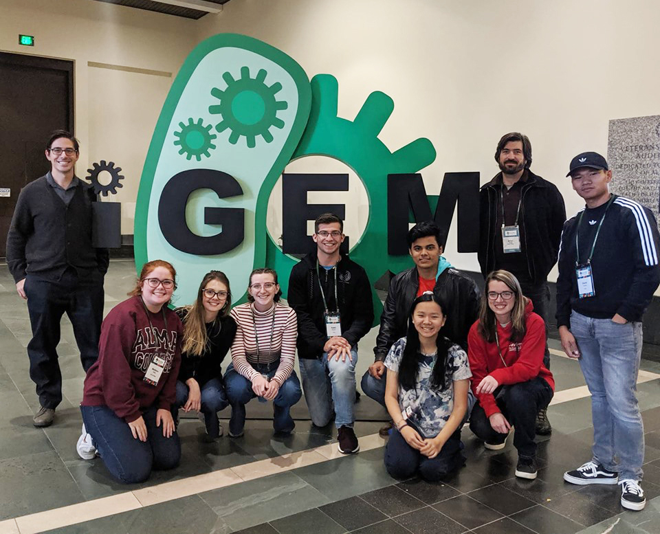 Team photo igem logo croppedd
