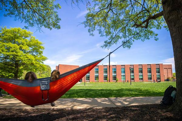 20190422 campus scenics candids 5343