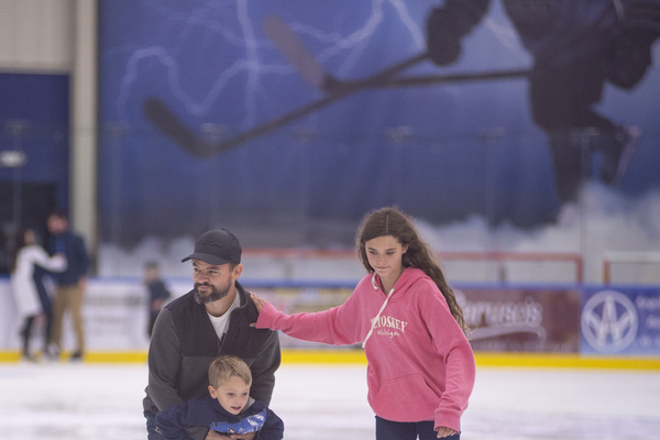 Family time ice rink 7614