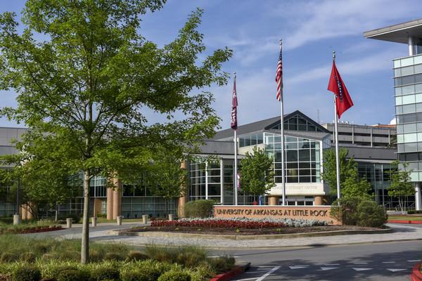 Rs3815 scenic campus facilities24 lpr