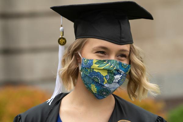 2020 05 21 pentacrest graduates tschoon 084