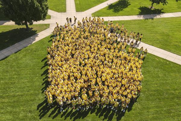 Class photo 2021 freshmen drone