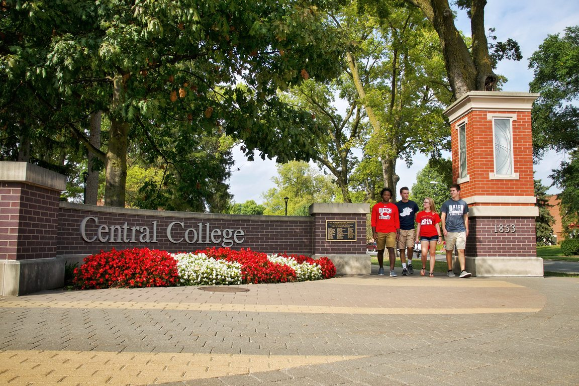 Central College Adds Four New Members to Board of Trustees