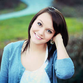 Tmp2fstudent2fphotos2f16640742fashley27s20senior20pictures20leslie20scott20016