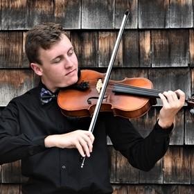 Viola playing horizontal