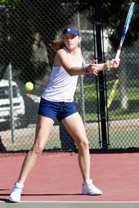 Lauren Manwiller's Women's Tennis Recruiting Profile