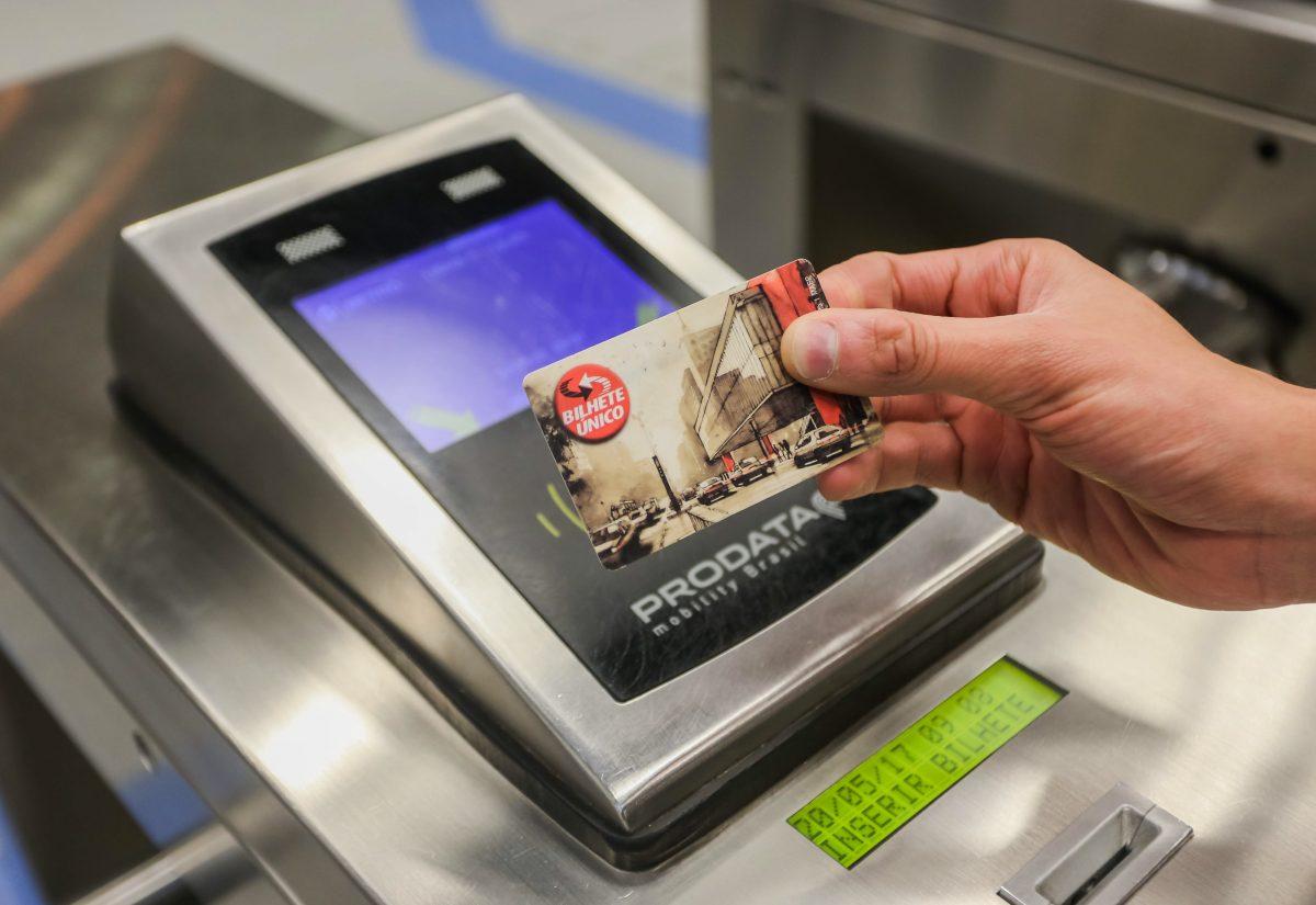 Novas estações da linha 5-lilás são inauguradas com problemas e sem máquinas para bilhete único