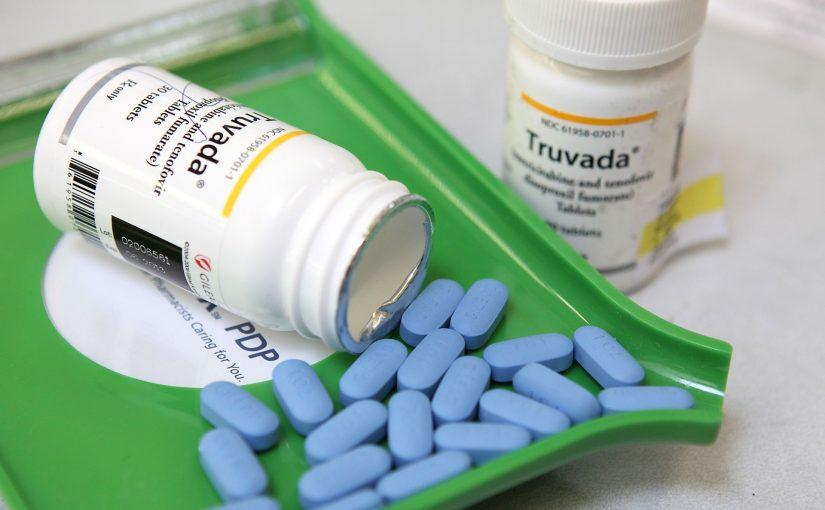 Casos de HIV caem em SP, e SUS passa a oferecer pílula que previne vírus