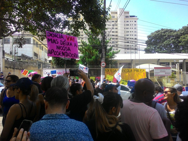 Mães opinam sobre greve dos professores contra reforma de Doria