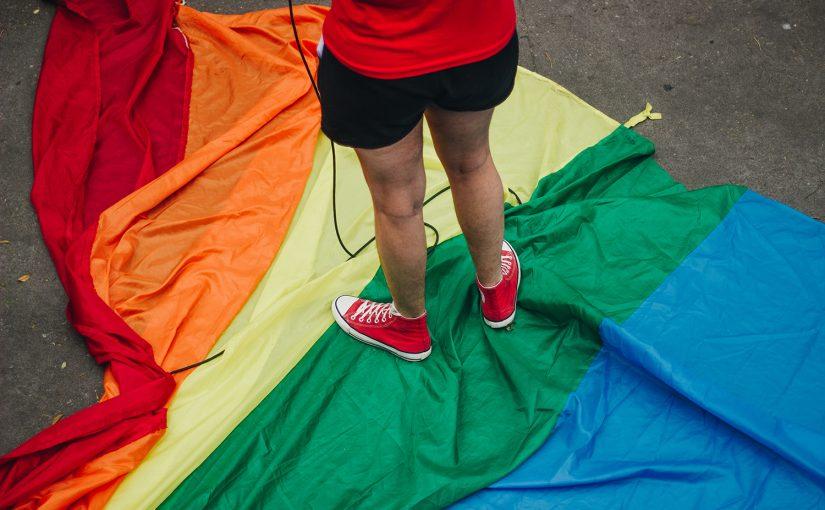 Pessoas trans narram dificuldades para registrar nome social em SP