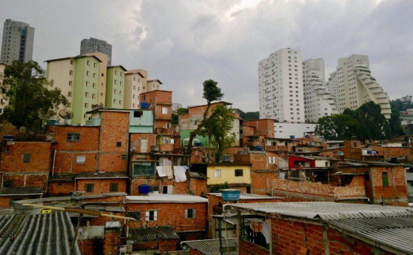 Mais de 2 milhões de paulistanos ainda moram em favelas