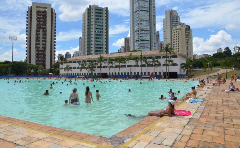 Piscinas públicas de São Paulo estão abertas durante o verão