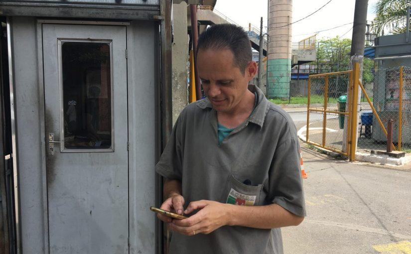Usuários aguardam ampliação de pontos de wi-fi nas periferias de SP