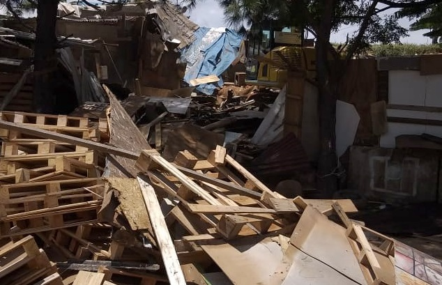 Moradores são retirados do Jardim Humaitá após área ser considerada de alto risco